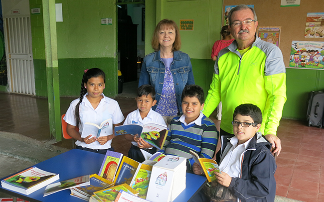 Dr. Wilkerson and Dr. Wood with children at Santa Elena School in San Jose, Costa Rica